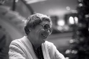Gladys Nordenstrom Krenek Portrait Seitenprofil