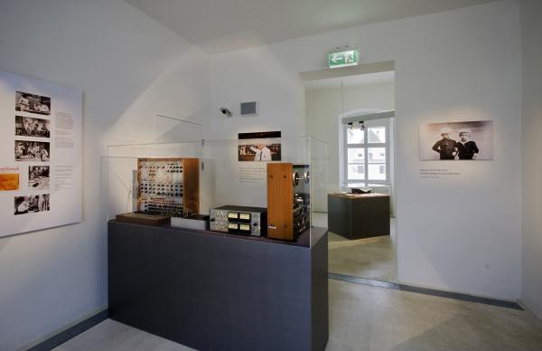Ernst Krenek Forum, Ausstellungsraum, Tonstudio am Minoritenplatz Krems